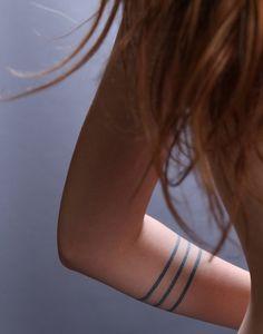 Minimalist art in this tattoo