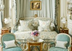 Rooms and luxury Suites - Hotel Ritz Paris 5 stars French Country Bedrooms, French Country House, French Country Decorating, The Ritz Paris, Superior Room, Most Luxurious Hotels, European Home Decor, Hotel Suites, Luxury Suites
