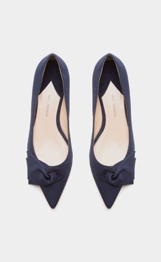 Corsage Silk Pointed-Toe Flats. The shape of these are amazing