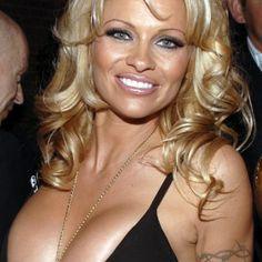Pamela Anderson launches wine range #Wine #Winenews