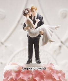 cake topper sposa in braccio #instalove #teamrebel #instalovers #instabeauty #instagallery #instafamous #instasg #imagin8 #life #followme #igaddicts #instaplus #golook #bestpicture #all_pixs #bepopular #instacool #instagain #latergram #genginsapgan #yolo #pickoftheday #popularpic #ig_bestever #tbt #hot_shotz #fabshots Wedding Cake Toppers, Wedding Cakes, Family Cake, Gift Vouchers, Wedding Supplies, Popular, Bridal, Couples, Gifts