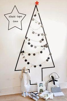 ブラックを基調としたシンプルなツリーは、大人のクリスマスを演出してくれます