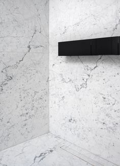 Minimalistic marble bathroom design - Tap and towel holder by Agape (Sen by Gwenael Nicolas (Curiosity) . Architecture and interior design by Valentine Bärg Architectures Interior Architecture, Interior Design, Dream Bathrooms, Towel Holder, Black Marble, Curiosity, Wall Lights, Woodworking, Bathroom Interior