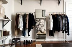 56 ideas for small space storage solutions bedroom clothes racks Small Closet Space, Small Space Bedroom, Small Space Storage, Small Closets, Small Spaces, Open Closets, Dream Closets, Bedroom Closet Storage, Bedroom Wardrobe