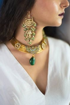 Based in Mumbai, Bridelan is a boutique bridal styling company that offers personal shopping, fashion styling and luxury consultancy services for South Asian and Indian weddings. Bridal Jewellery Inspiration, Wedding Jewelry, Wedding Rings, Antique Jewelry, Gold Jewelry, Jewelery, Antique Gold, Rajputi Jewellery, The Bling Ring