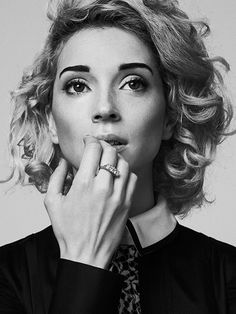 Sabrina Theissen | ›St. Vincent‹ An inspiring woman, making lovely music - St.Vincent.