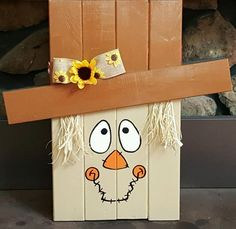 Reversible Scarecrow Snowman by WoodsDesignsTN on Etsy Wood Scarecrow, Scarecrow Face, Scarecrow Crafts, Halloween Scarecrow, Fall Halloween, Halloween Crafts, Halloween Decorations, Scarecrows, Fall Decorations