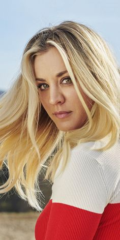 How Kaley Cuoco Bypassed the Awkward Stages in Growing Out Her Hair – Celebrities Woman Blonde Actresses, Female Actresses, Hair A, Her Hair, Kaley Cuoco Body, Kaley Cucco, The Bigbang Theory, Foto Pose, Hair Journey