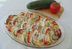 Burgonyával rakott cukkini Diet Recipes, Vegetarian Recipes, Cooking Recipes, Healthy Recipes, Zucchini, Cooking For Dummies, Food Porn, Czech Recipes, Hungarian Recipes