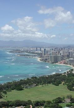 Honolulu and Waikiki Beach - Click to discover the 10 most amazing things to do on #Oahu #Hawaii