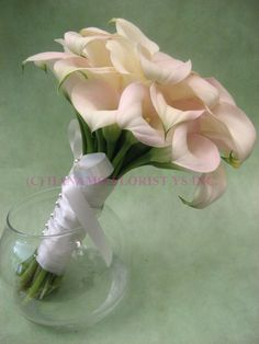 Calla Lilly bouquet  ... Wedding ideas for brides, grooms, parents & planners ... https://itunes.apple.com/us/app/the-gold-wedding-planner/id498112599?ls=1=8  ... The Gold Wedding Planner iPhone App.