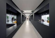 Black Interior Design Amstel Campus by OIII Architects Interior Design Color Schemes, Black Interior Design, Interior Design Companies, Interior Shop, Colour Schemes, Interior Ideas, Corporate Office Design, Modern Office Design, Workplace Design