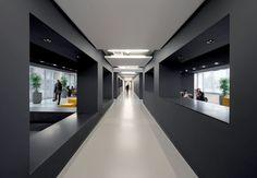 Black Interior Design Amstel Campus by OIII Architects Interior Design Color Schemes, Black Interior Design, Interior Design Companies, Interior Shop, Colour Schemes, Interior Ideas, Corporate Office Design, Modern Office Design, Workplace Design