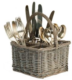 This willow table basket is practical, fuss free way to organise your cutlery at the table. £10.00
