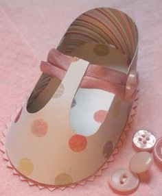 Adorable paper shoe for tabletop decor!
