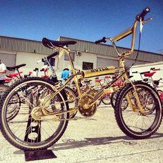 Hutch - Bmx Bikes - Ideas of Bmx Bikes - Hutch Gold Bmx Bike, Bmx Bicycle, Vintage Bmx Bikes, Vintage Cycles, Golden Bike, Bmx Racing, Lowrider Bike, Bmx Freestyle, Mini Bike