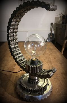 #lampe industrielle #steampunk DOUBLE C #industrial #design #chains