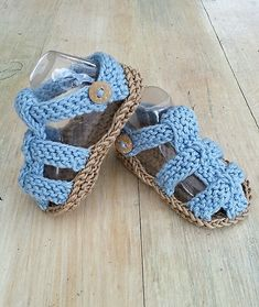 Baby Boys Knit Summer Sandals pattern by Alma Mahler Ravelry: Baby Boys Strick Sommer Sandalen Muster von Alma Mahler Crochet Baby Clothes Boy, Baby Boy Knitting, Crochet Baby Sandals, Crochet For Boys, Crochet Shoes, Crochet Baby Booties, Boy Crochet, Crochet Summer, Knitting Yarn