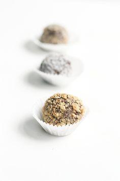 Chocolate Truffles - Easy & 5 ingredients total!