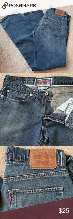 "Levis 511 32x32 LEVI'S  original 32x32 511 ""skinny"".  Sz 32x32 EUC No signs of wear Dark wash blue with fading on thighs Nonsmoker  Thanks for looking at my closetand have a great day! Levis Jeans Straight"