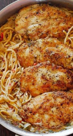 Italian Chicken Pasta in Creamy White Wine Parmesan Cheese Sauce - Sweet and savoury♥ - Dinner Recipes Turkey Recipes, Meat Recipes, Crockpot Recipes, Dinner Recipes, Cooking Recipes, Healthy Recipes, Pasta Recipes, Recipies, Sauce Recipes