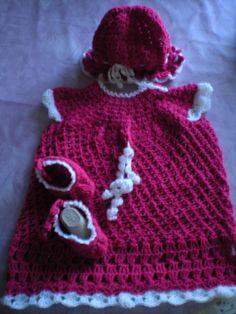 Erstlingkleid mit Hut und Schuhen handmade with love