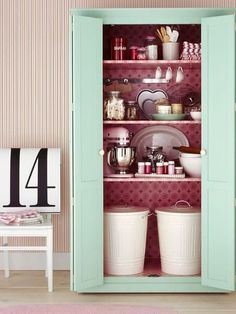 Definite Baking Pantry Envy. As a baker I would love to have everything in one place like this, and so tidy. #organization #pantry