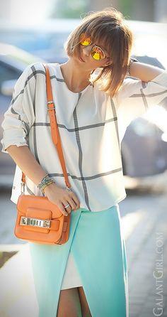 #SummerOutfit #SummerOutfitIdeas #ProenzaSchouler #StreetStyleFashion #ChicStyle #FashionBlogger #WrapSkirt #GalantGirl