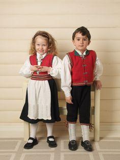GG190-01 Gullsildre festdrakt til gutt og jente | Gjestal Children, Vintage, Design, Style, Fashion, Young Children, Swag, Moda, Boys
