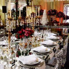Nosso Stand está lindo e com parceiros maravilhosos. Esperamos vocês aqui! @callaeventos @artestil @chilflor @lafabrique @suzanapimenta @cesarmonteiro @ferforminhas #casamento #noivasul #noivas #noiva #casamentocuritiba #cerimonial #cerimonialcuritiba #wedding #weddinddecor #projetodedecoraçao #flores #doces #bolo #bride #bridal #mesaposta #curitiba #casar