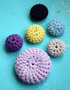 hand-crocheted buttons pattern by bare Wunderbar