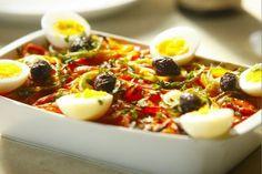 Leia aqui Bacalhau à portuguesa. No Bom Gourmet você encontra receitas, os ingredientes que vão na receita, o tempo de preparo e muito mais. Acesse!