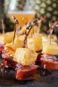 Pineapple sausage bites glazed with juicy IPA and brown sugar. Oh man! The flavor and aromas in this pineapple recipe are unbeatable. Sausage Appetizers, Appetizer Dips, Sausage Recipes, Appetizers For Party, Appetizer Recipes, Elegant Appetizers, Tropical Appetizers, Skewer Appetizers, Appetisers