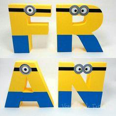 Letras 3D em papel 180g ou acima.  As letras tem aproximadamente 12cm de altura, a largura varia de acordo com a letra, mas são proporcionais umas às outras!  Sustentam-se em pé sozinhas.    ATENÇÃO  Produto sujeito a pequena variação de tonalidade com relação a foto, devido a configuração e reso...