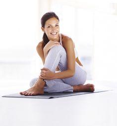 Posture de yoga : découvrez 60 positions de yoga expliquées en photos - Diaporama Forme - Doctissimo