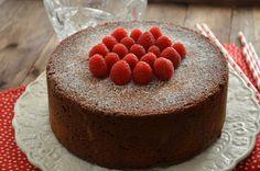 Pastel de chocolate y frambuesas. | Cuchillito y Tenedor