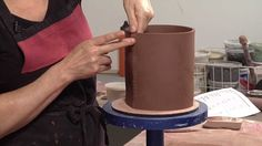 """Tutorial ótimo de placa e junções - """"Perfect is the enemy of Done"""" - Pottery Video: Tips for Strong Joints on Slab-built Pottery 
