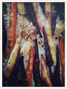 Baked carrots, lemon & garlic Baked Carrots, Cheesesteak, Wine Recipes, Wines, Sausage, Garlic, Good Food, Lemon, Baking