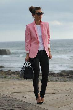 pink blazer + skinny jeans