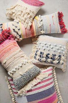 Almohada  textil para decorar sillones o camas