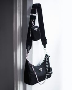 I know I'm not the only one who has expressed a desire to purchase the Louis Vuitton Multi Pochette Accessoires. (Please, no judgement!) Unfortunately, there's no telling when this illustrious… Fashion Handbags, Purses And Handbags, Fashion Bags, Prada Handbags, Handbags Online, Fashion Outfits, Luxury Purses, Luxury Bags, Luxury Handbags