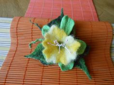 žlutobílá květina