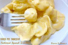 You will not believe how creamy and delicious this Crock Pot Butternut Squash Tortellini recipe tastes! Slow Cooker Recipes, Crockpot Recipes, Cooking Recipes, Crockpot Dishes, Crock Pot Cooking, Easy Cooking, Tortellini Recipes, Pasta Recipes, Pasta Meals