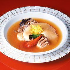 「京料理でしか作れない」菊乃井の主人が挑戦、'煮含める'ふかひれスープ。【京都 ふかひれとすっぽんのスープ】