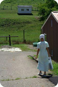 Amish Girl Shopping Done