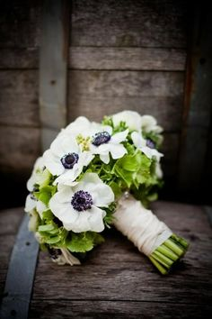 Weddbook ♥ Cute wedding bouquet with green hydrangeas, and white with black centered anemone flowers; unique and nature hydrangeas anemone white green Bouquet D'hortensia, Bouquet Bride, Hydrangea Bouquet Wedding, Wedding Bouquets, Wedding Flowers, Anemone Wedding, Bridesmaid Bouquets, Flower Bouquets, Bridesmaids