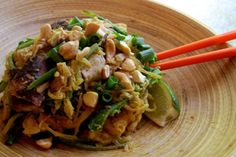 Spaghetti Squash Pad Thai from The Clothes Make the Girl - Creative Ways of Reducing Carbs from Your Diet