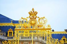 How to get to Versailles from Paris? All the ways to travel from Paris to Versailles, by train but also by car or bus, and ways of getting around Versailles Visit Versailles, Chateau Versailles, Palace Of Versailles, Ayurveda, Historical Fiction Authors, Sites Touristiques, Real Estate Services, Real Estate Houses, Travel List