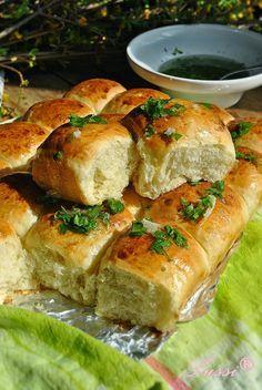 Lussi`s World of Artcraft: Душички - супер меки питки с чеснова заливка / Softies - Super soft bread with garlic sauce