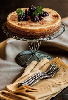 From: Ana Rosa, please visit In Vino Veritas, Food Styling, Kitchen Styling, Cupcake Cakes, Cupcakes, Sweet Tooth, Food Photography, Good Food, Food And Drink